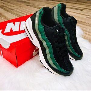 NWT Nike Air Max 95 Green Fir Vintage Lichen